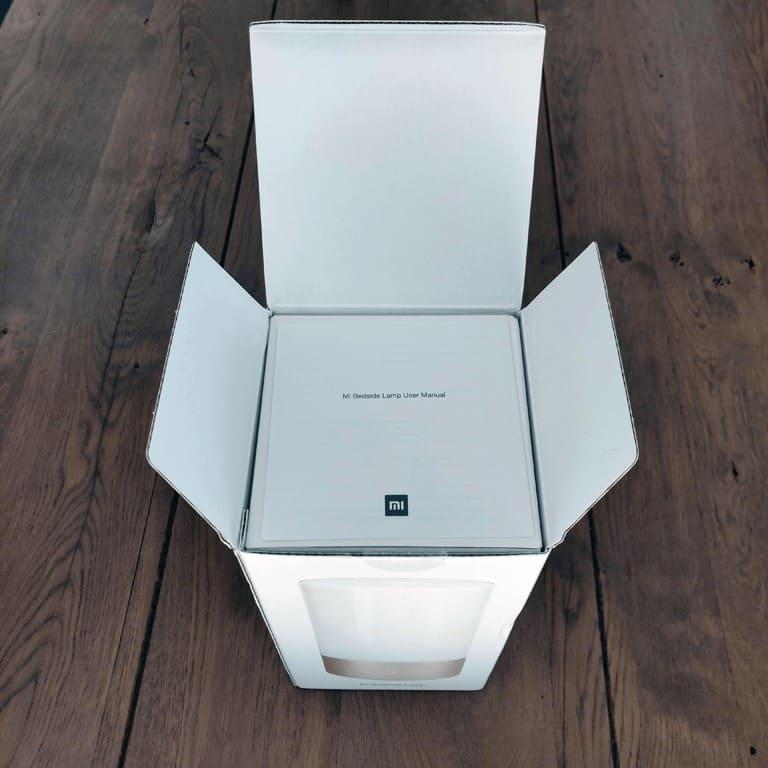 Xiaomi Mijia MJCTD01YL Yeelight Bedside Lamp box open