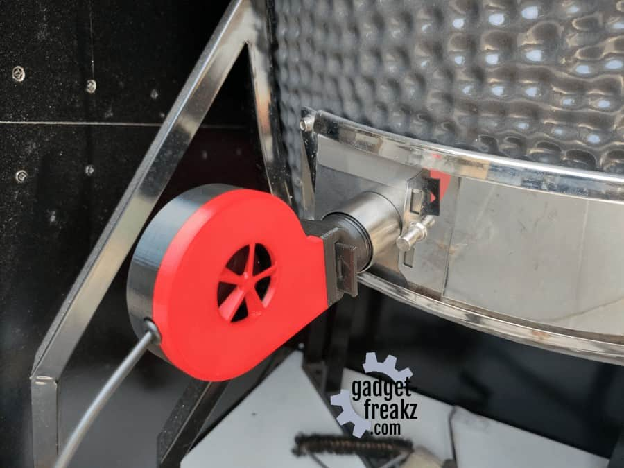 grillguru with adapter and fan sideview