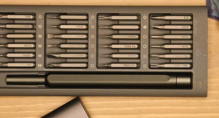 Bits and handle of Xiaomi Wiha 24 in 1 Precision Screwdriver Kit