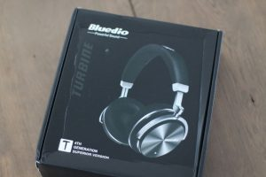 Bluedio T4S box front