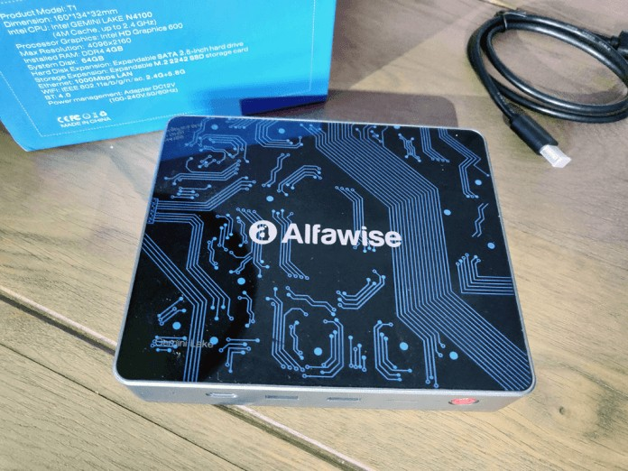Alfawise T1mini computer  above