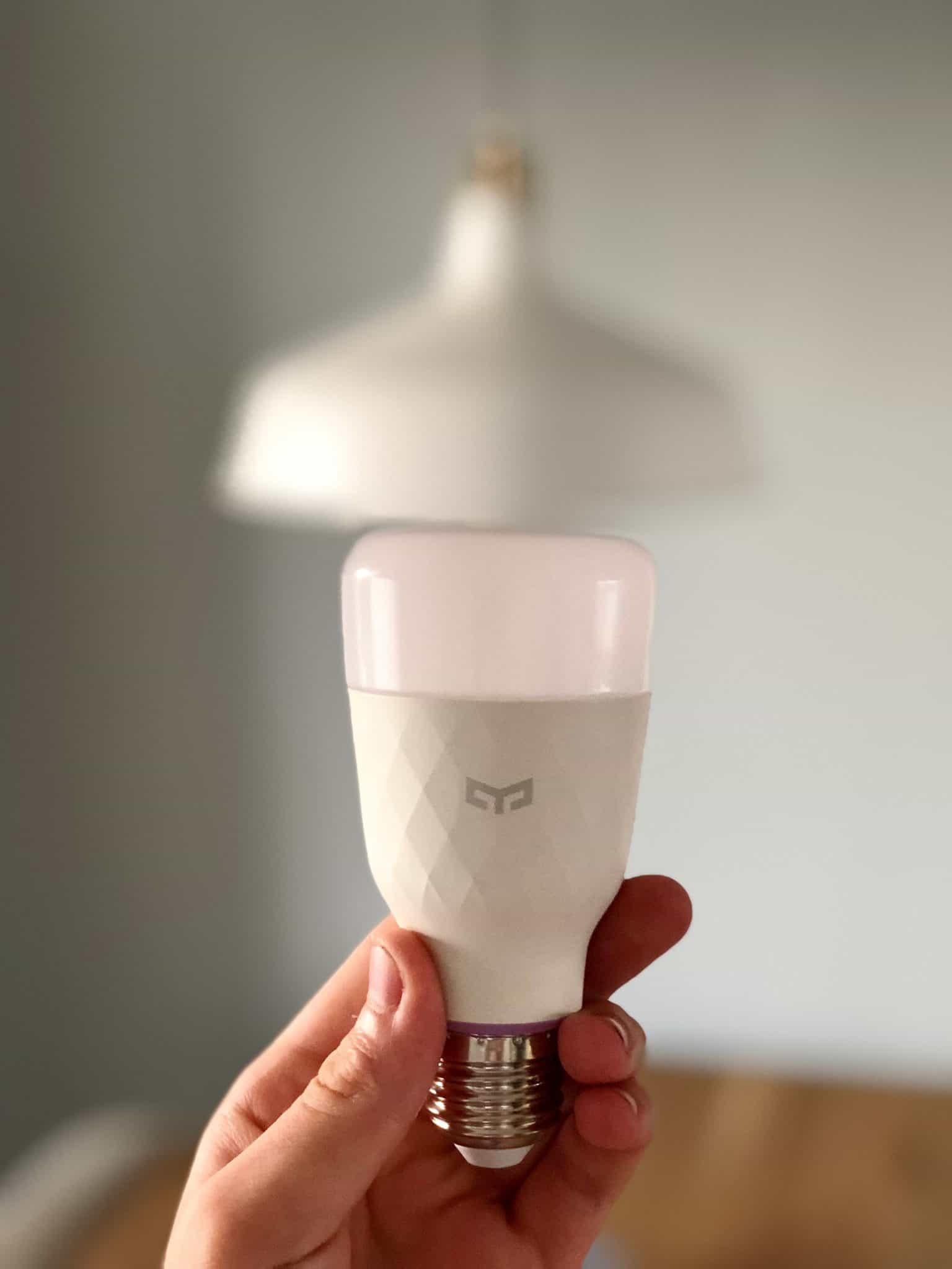 Review of the YEELIGHT YLDP06YL Smart Light Bulb 10W RGB E27