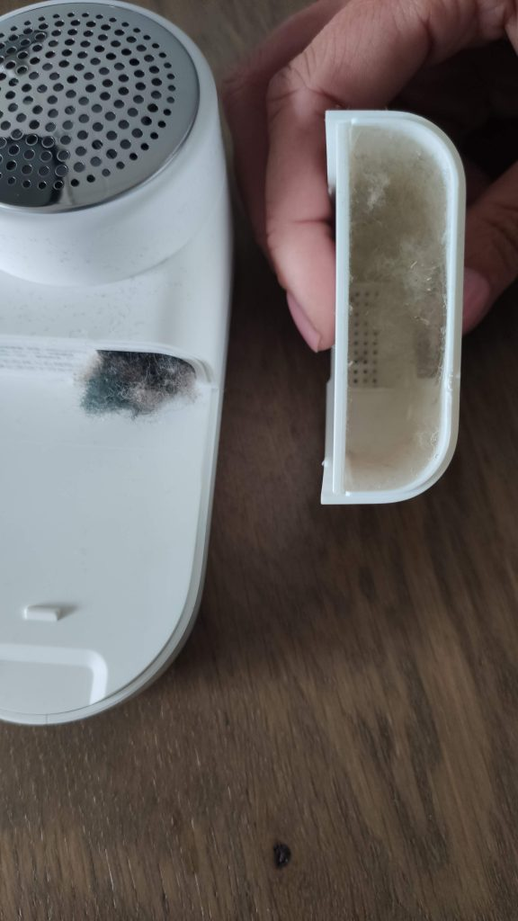 Xiaomi Mijia lint remover after usage 1