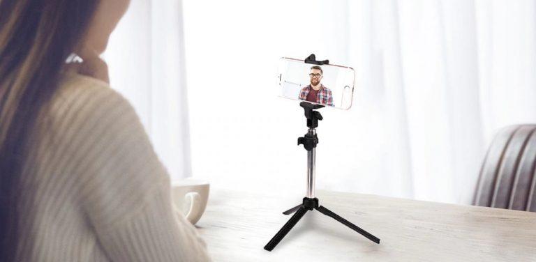 Gocomma 3 in 1 Selfie Stick: a Selfie stick on Steroids?