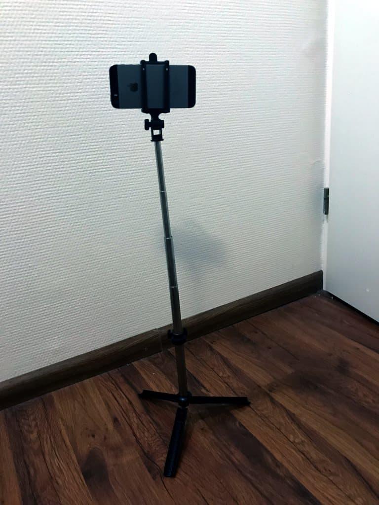 gocomma 3 in 1 selfie stick monopod standing